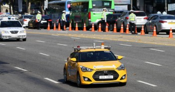 Self-driving cars that were spotted during a preliminary rehearsal of 'Future Driving-Force Challenge Parade' on Yeongdong Street in last month.
